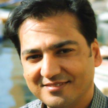 Khosro Nikzat