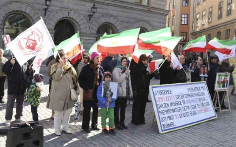 Stockholm – Iranians protest against rights abuse in their homeland